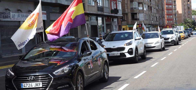 caravana-coches-zaragoza-para-celebrar-primero-mayo-1588340171155